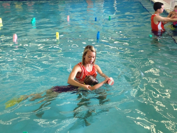 how to teach swim lessons to 3 year olds